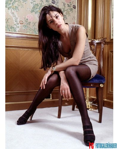 FEAT1564 - Image99915643- MONICA BELLUCCI - Roma, Italy - June 1998
