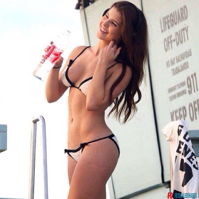 Miss Amanda Cerny