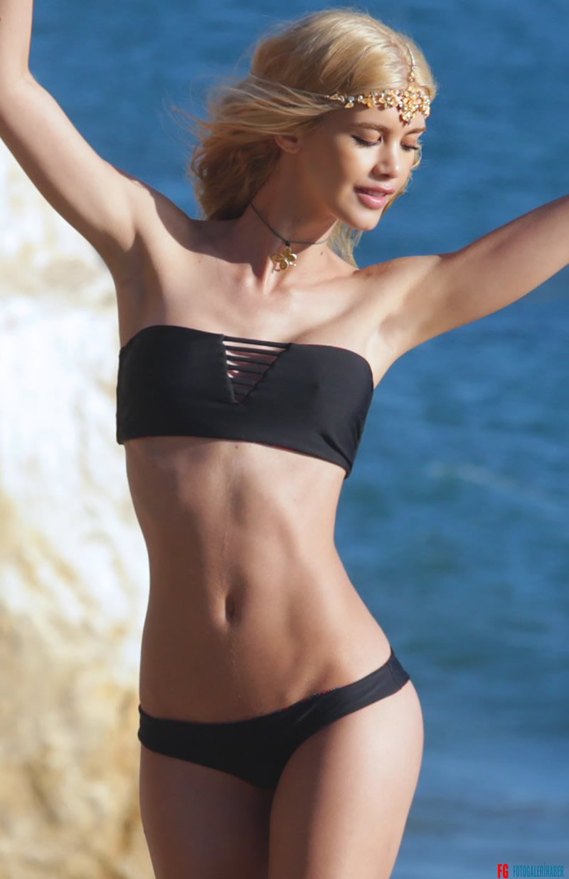 gallery_enlarged-Kat-Torres-Skinny-Bikini-Body-08
