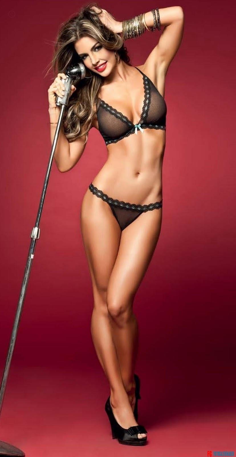 natalia-velez-besame-lingerie-350589015