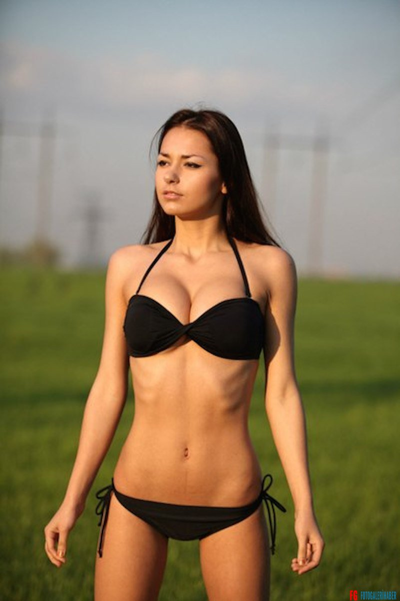 Helga-Lovekaty-Bikini-Topless-Hot-Model-37